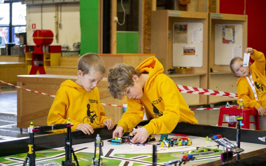 Blog: Spannende robotwedstrijd in Ontdekstation013