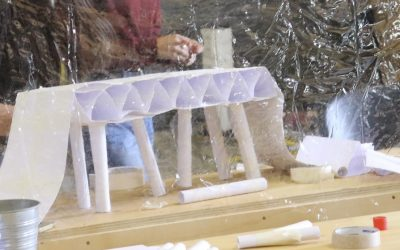 Wedstrijd: kun je een brug bouwen van papier?